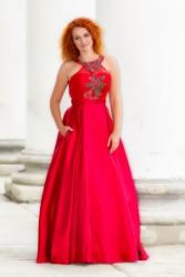 Nová kolekce plesových šatů - Maturitní ples 2019